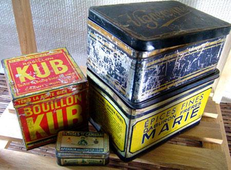 アンティークコレクション、ビンテージブリキ缶。輸入雑貨特集。