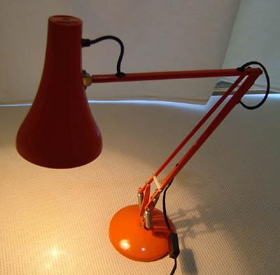 アンティークコレクション。イギリスのアングルポイズランプ orange1、ハーバート テリー。輸入雑貨特集。