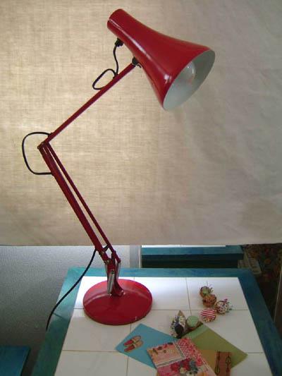 アンティークコレクション。イギリスのアングルポイズランプ red2、ハーバート テリー。輸入雑貨特集。